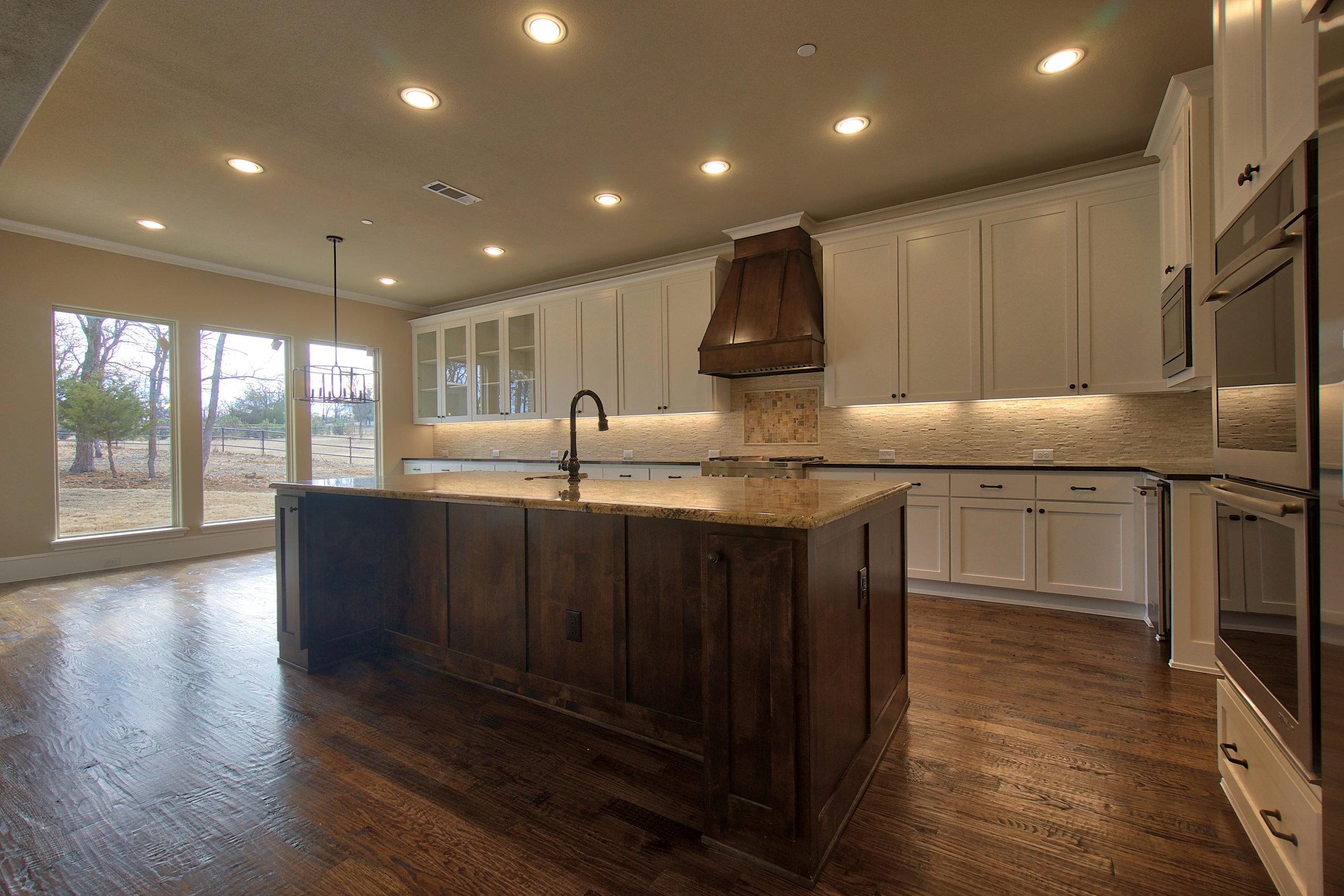 14 kitchen 2.jpeg
