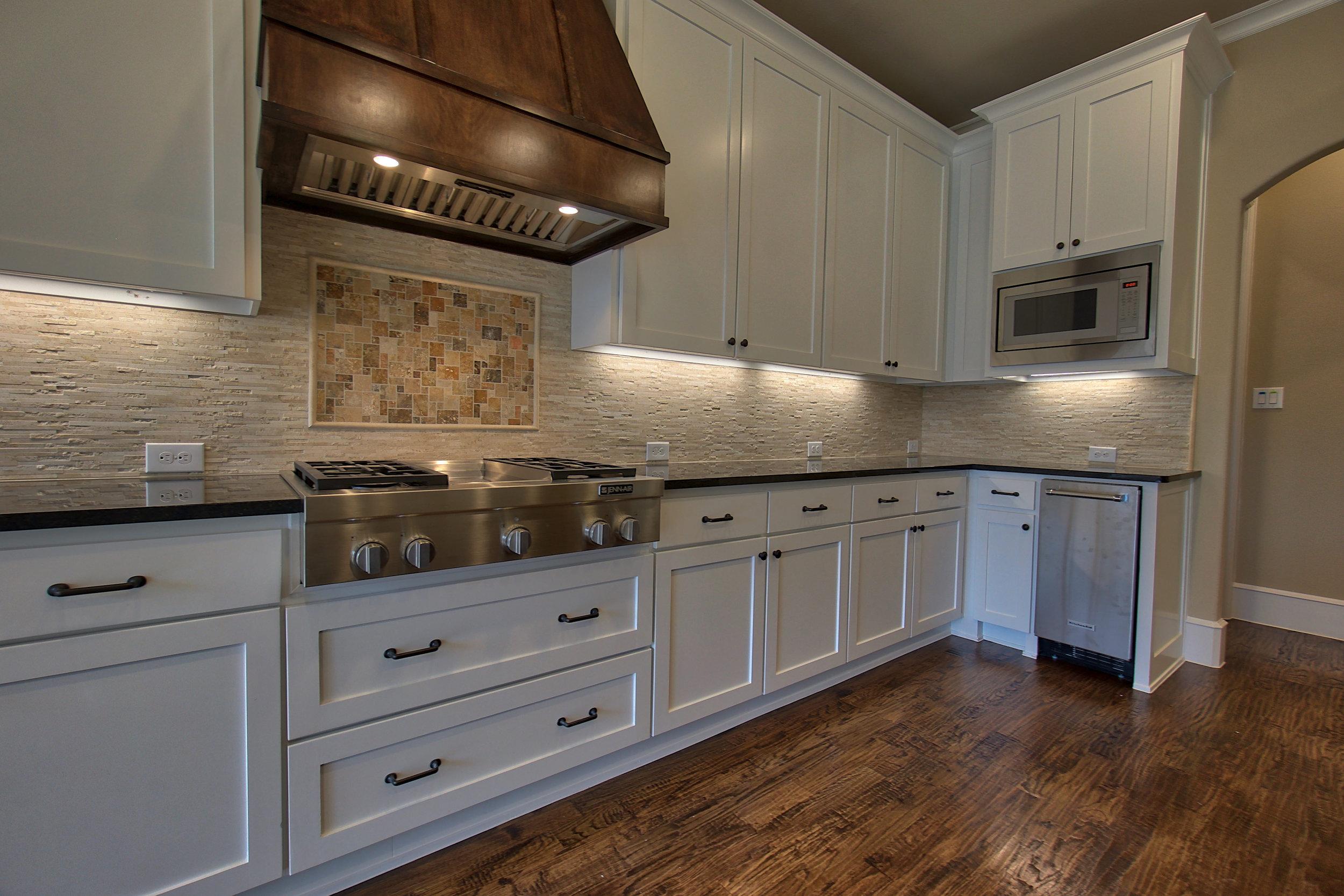 16 kitchen 4.jpeg