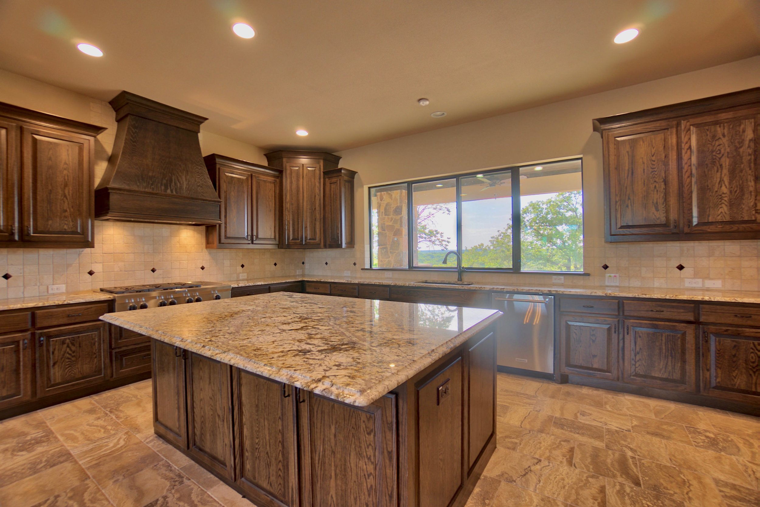 18 kitchen 7.jpg