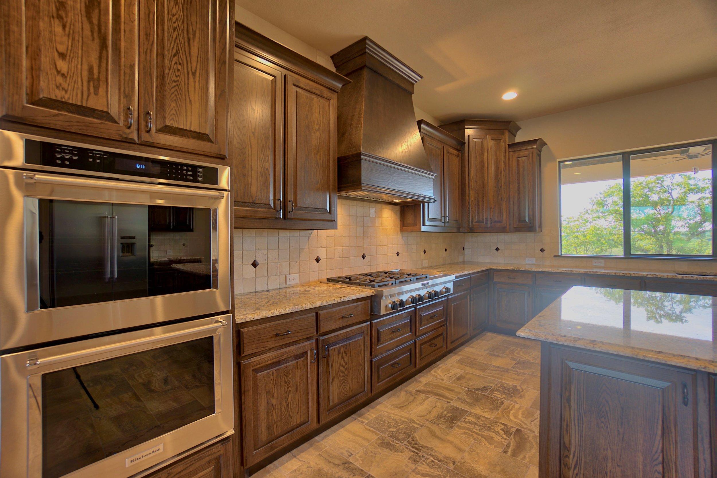 19 kitchen 8.jpg