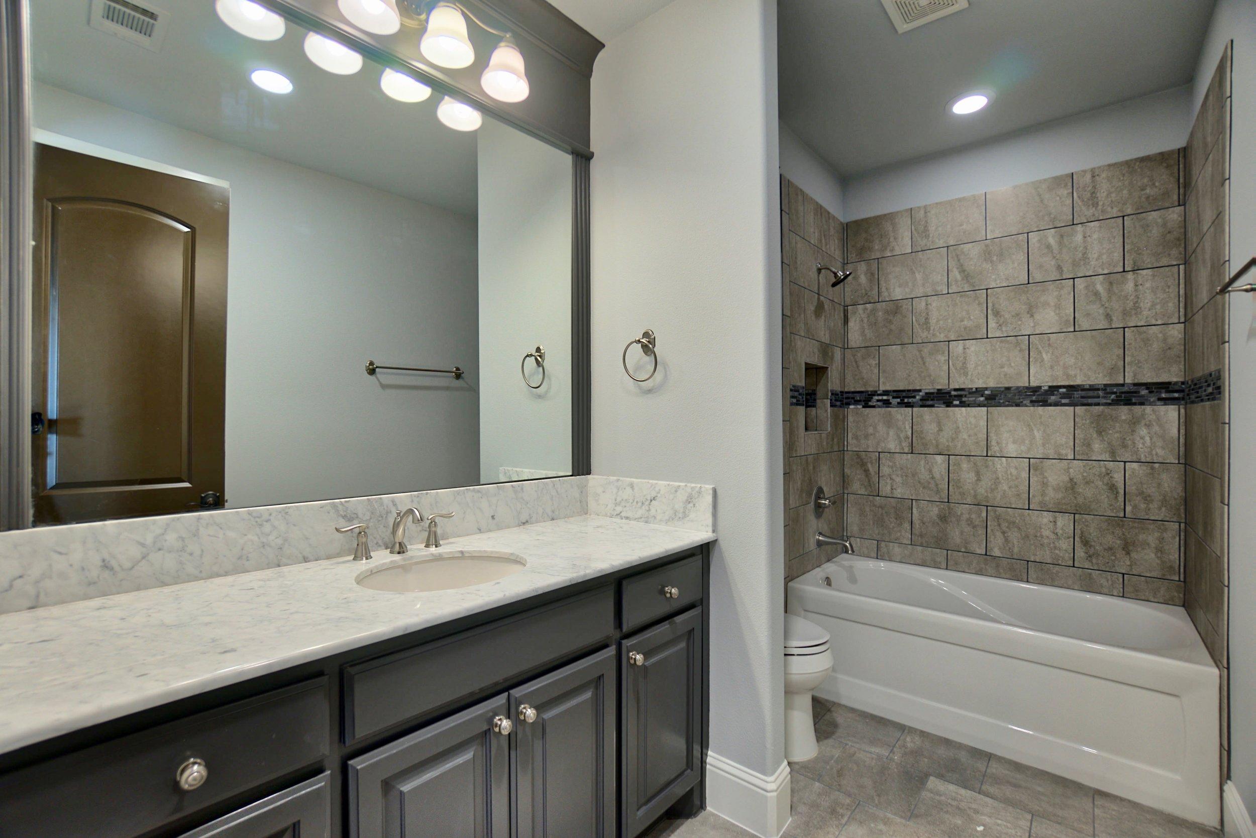 66 bath 4.jpg