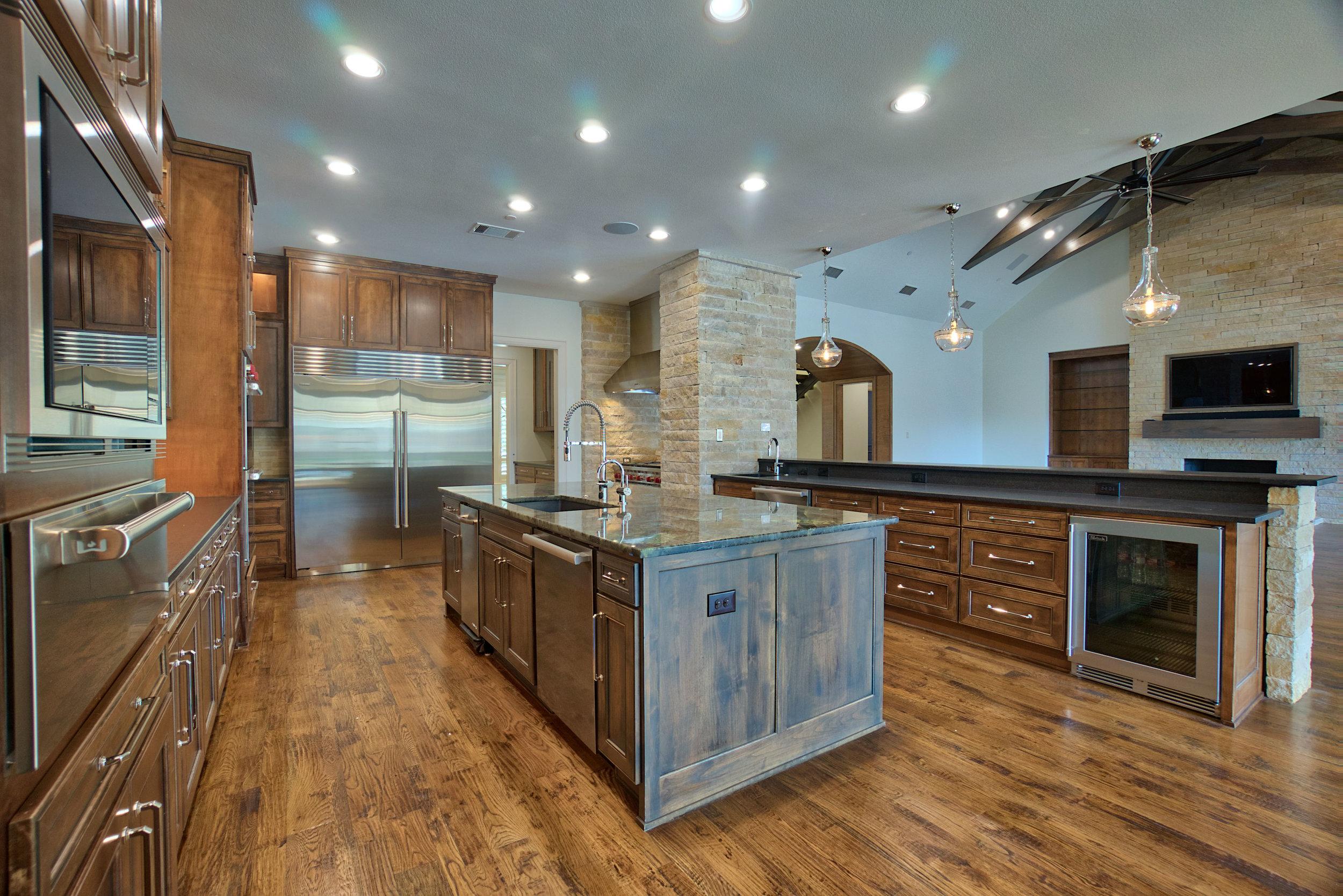 8 kitchen 1.jpeg