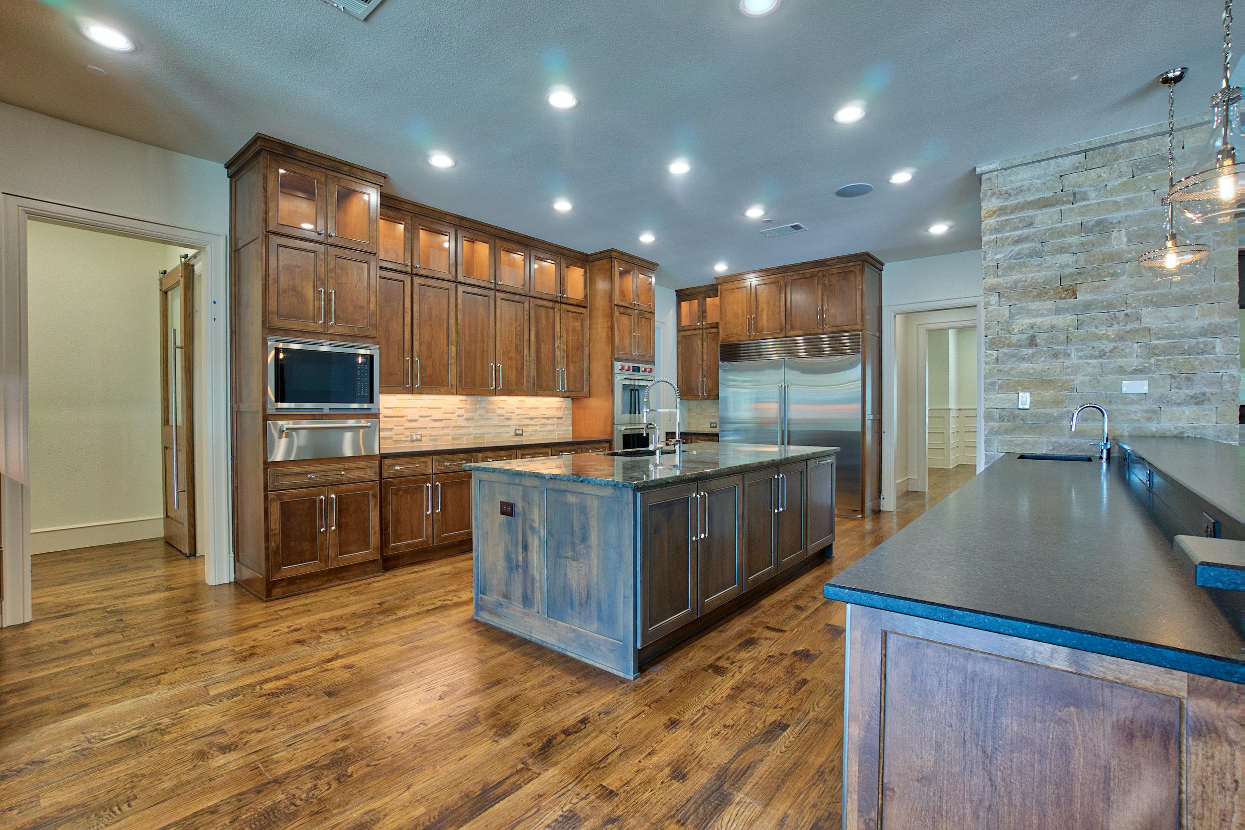 9 kitchen 2.jpeg