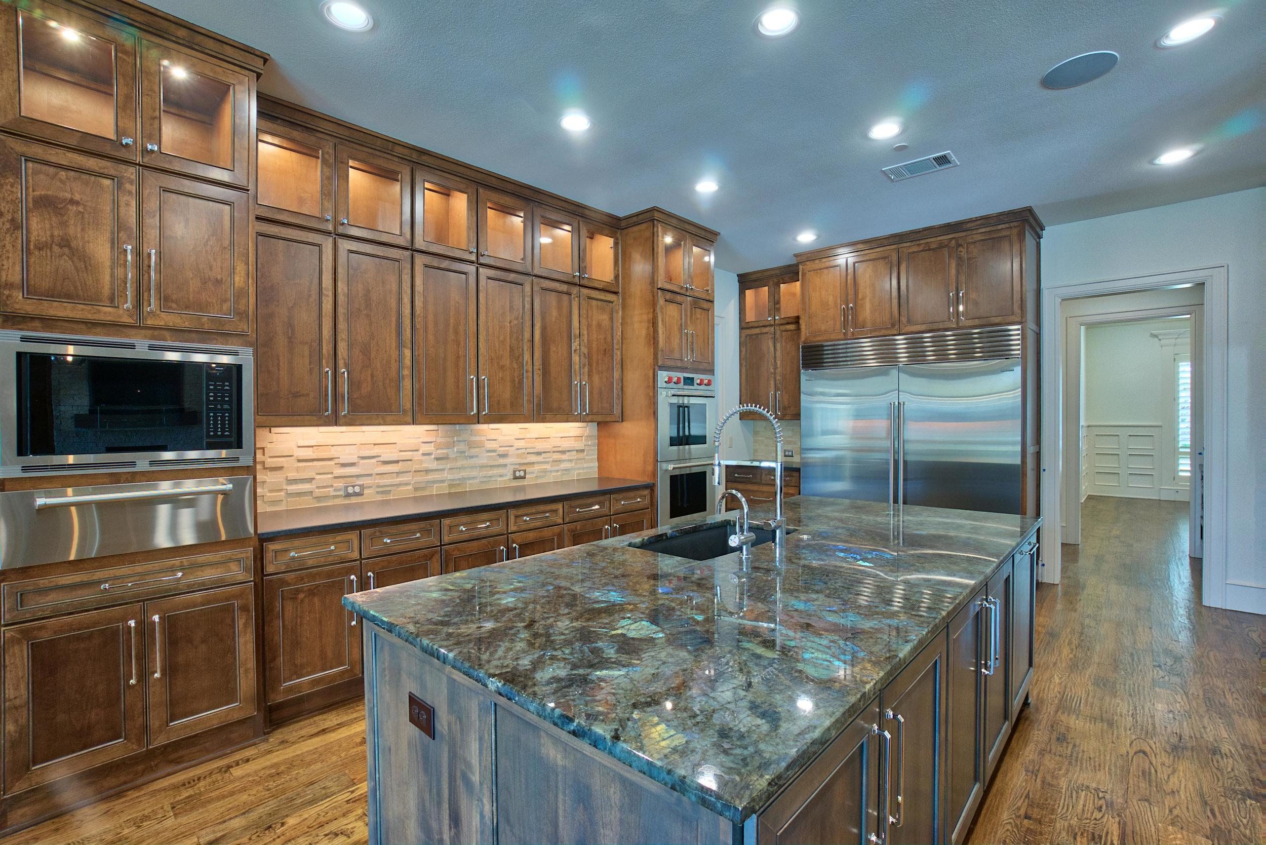 10 Kitchen 3.jpeg