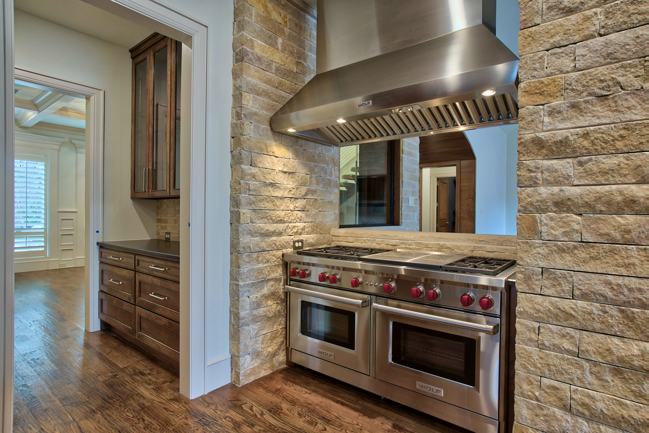 12 kitchen 5.jpeg