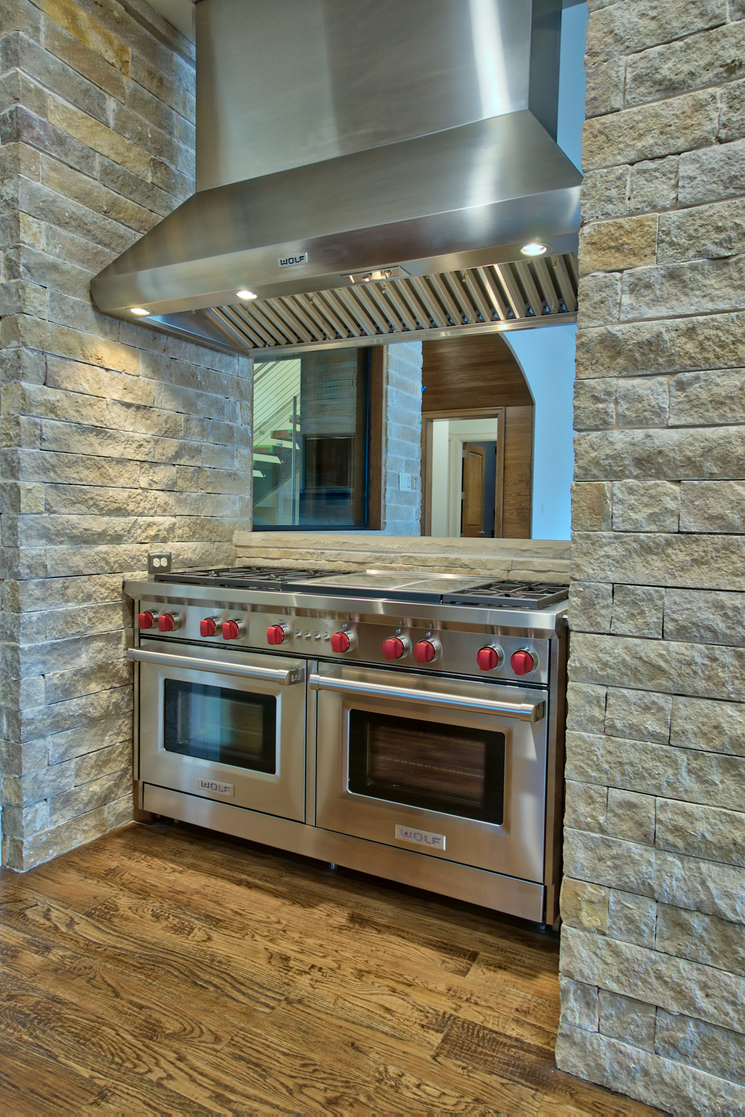 13 kitchen 6.jpeg