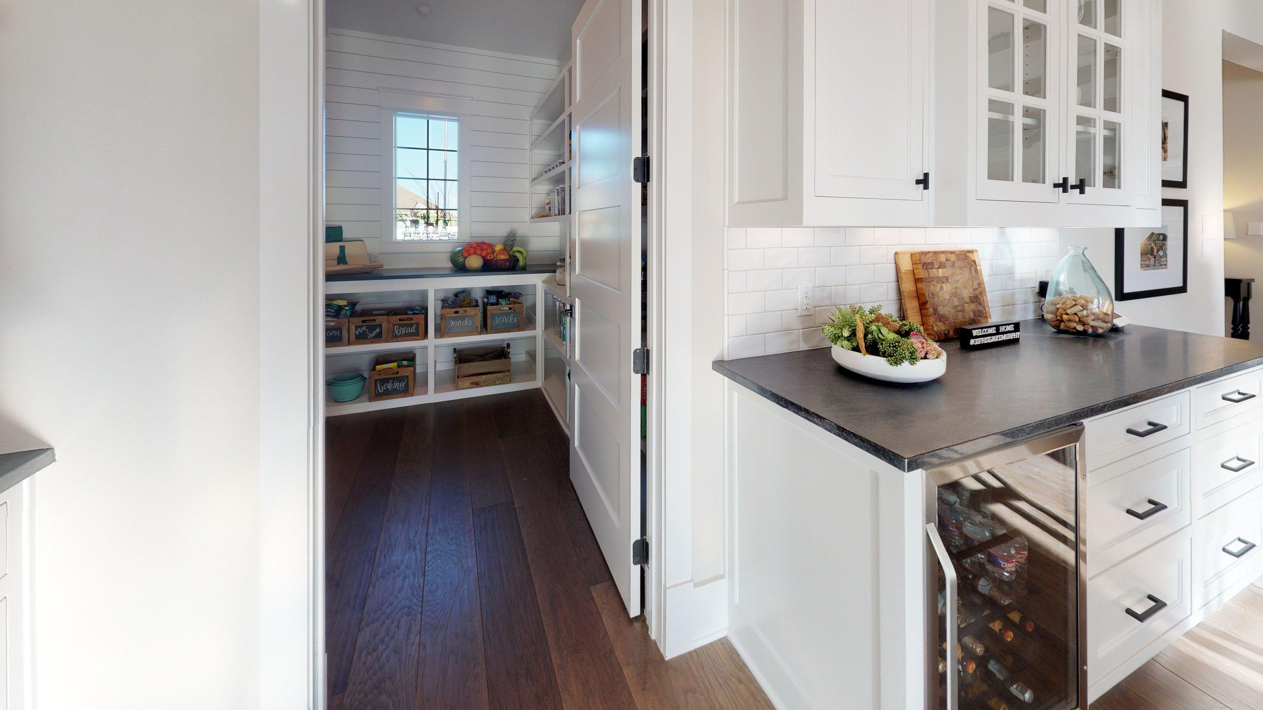 18 kitchen 5.jpg
