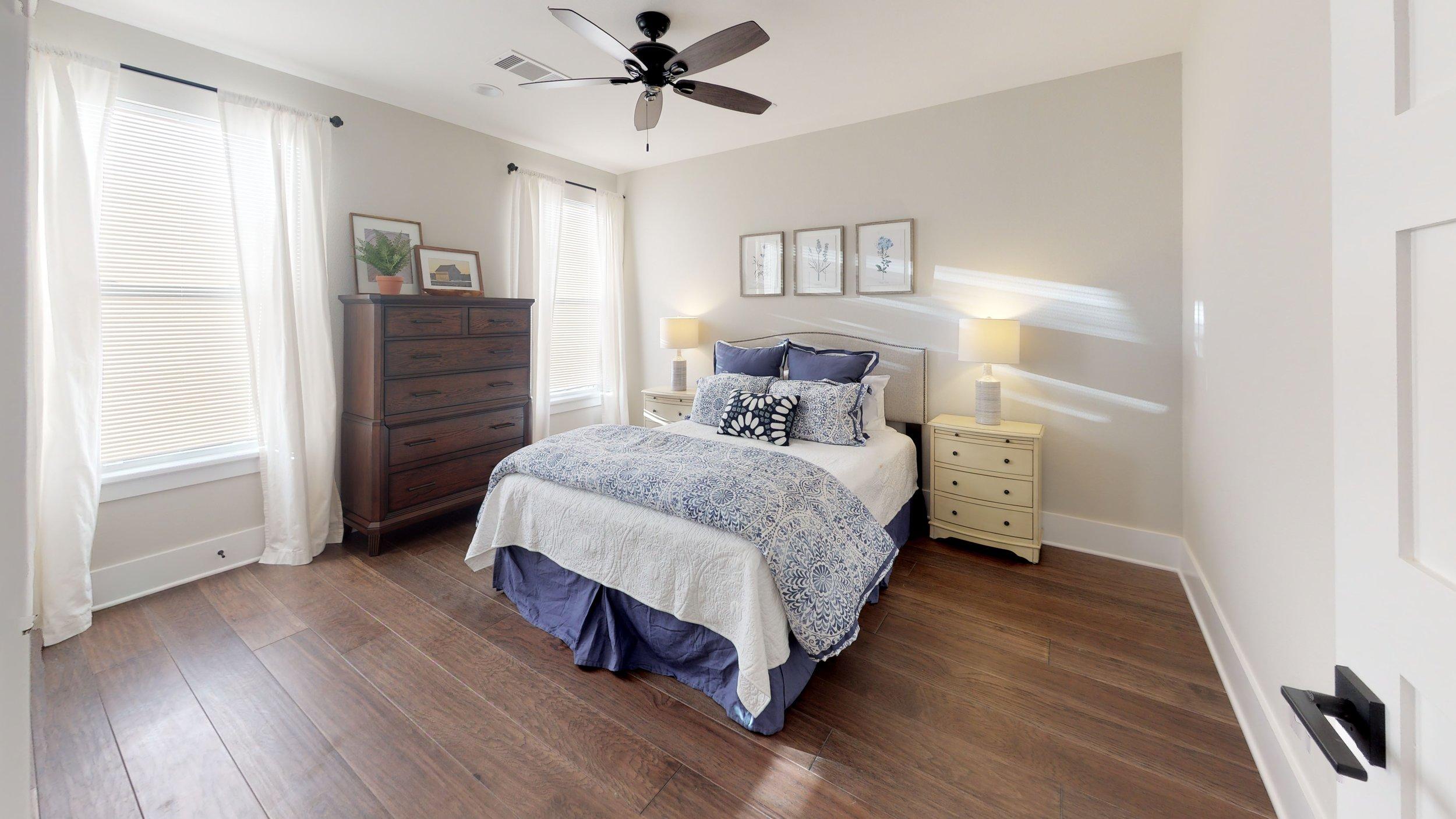 42 bed 4.jpg