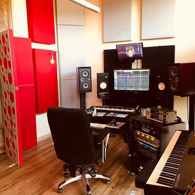 My new studio @redearthrecordingstudios is up and running! These rooms sound AMAZING! Lucky to have this space. Link in bio.  #redearthrecordingstudios #davetatemusic #musicproducer #audioengineer #musicproduction #southernutahrecordingstudio #utahrecordingstudio #musicproduction #creative #creativelife #creativeprenuer #focalmonitors #zionnationalpark #zioncanyon #southernutahmusic #zioncanyonmusic #api #avid #neve #focalmonitors #universalaudio #dangerousmusic  #ns10 #kushaudio #rupertnevedesigns #telefunken