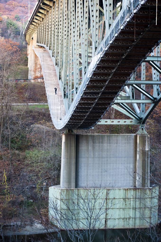 eric_munday_bridge_drop_ph_mike_cirelli.jpg