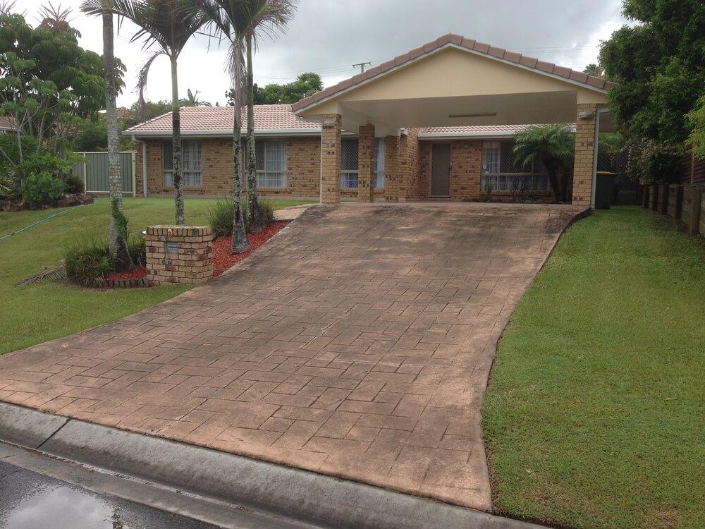 Newcrete Resealers Pressure Cleaning Gallery - Driveway Tiles Before Pressure Cleaning.jpg