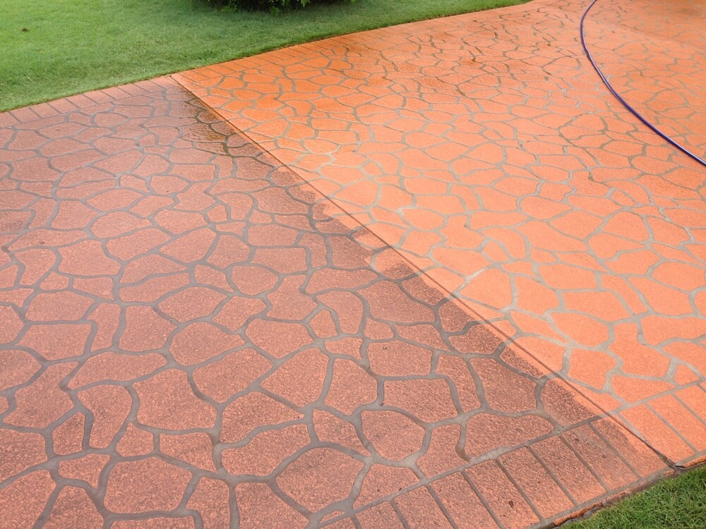Newcrete Resealers Pressure Cleaning Gallery - Tiles Pressure Cleaning Before and After.jpg