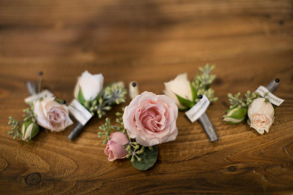 Foxhall-Resort-Wedding-Floral-Design-03.jpg