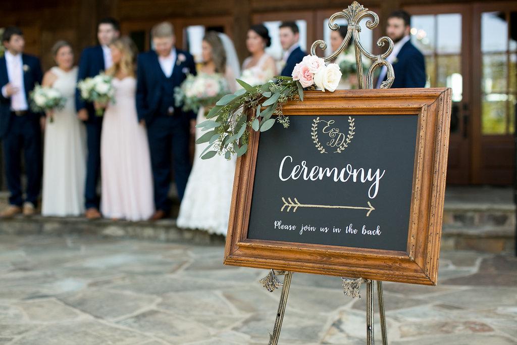 Foxhall-Resort-Wedding-Floral-Design-10.jpg