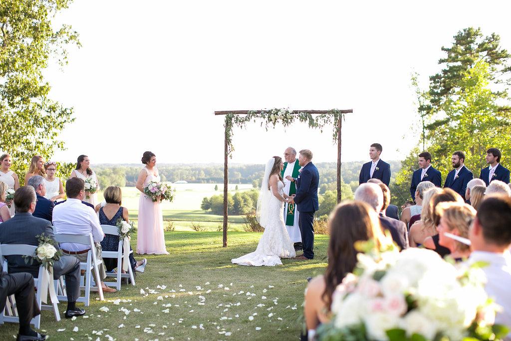 Foxhall-Resort-Wedding-Floral-Design-16.jpg