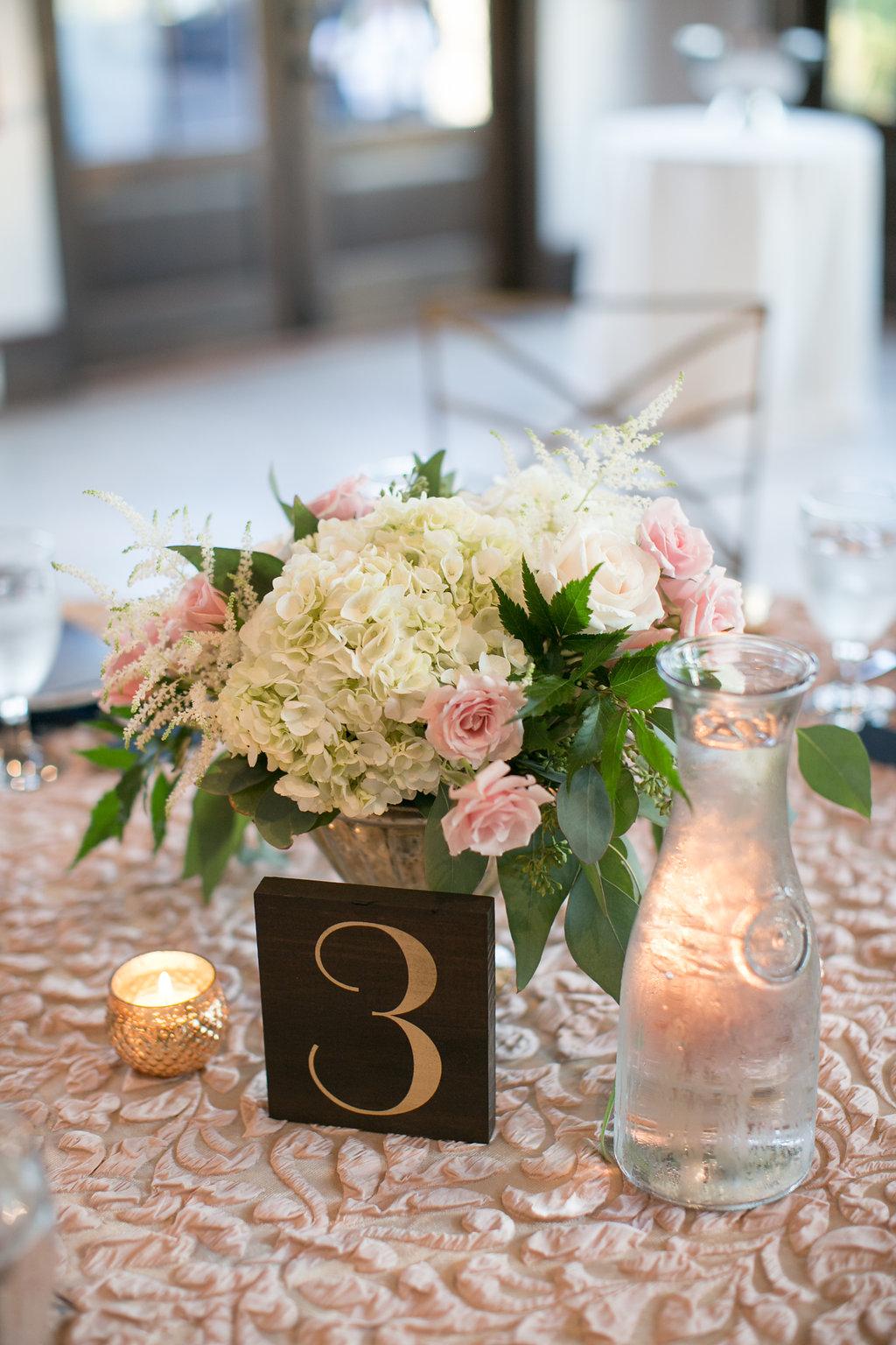 Foxhall-Resort-Wedding-Floral-Design-34.jpg