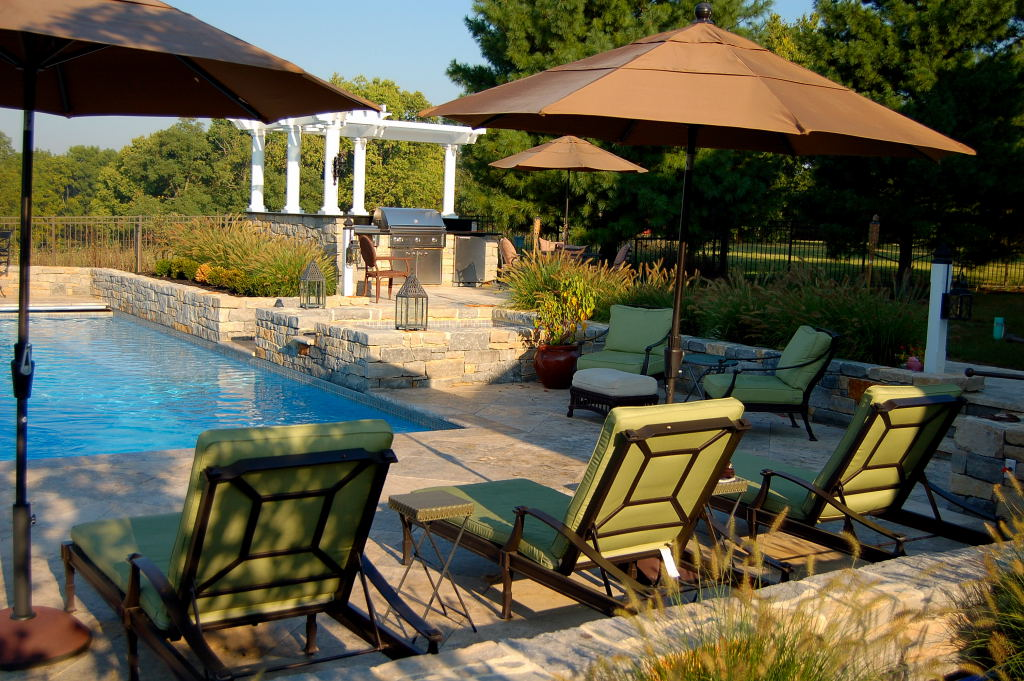 Residential pool design by Fernhill landscapes