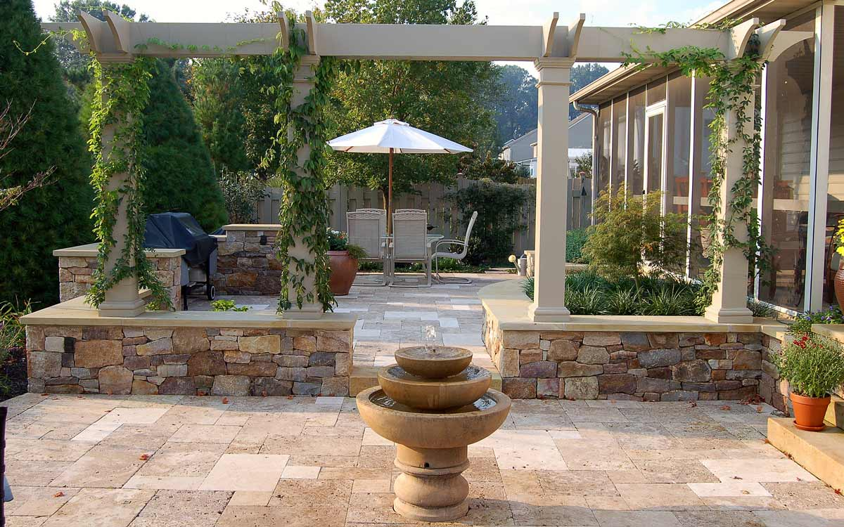 Water fountain and outdoor living in Landisville, Pa