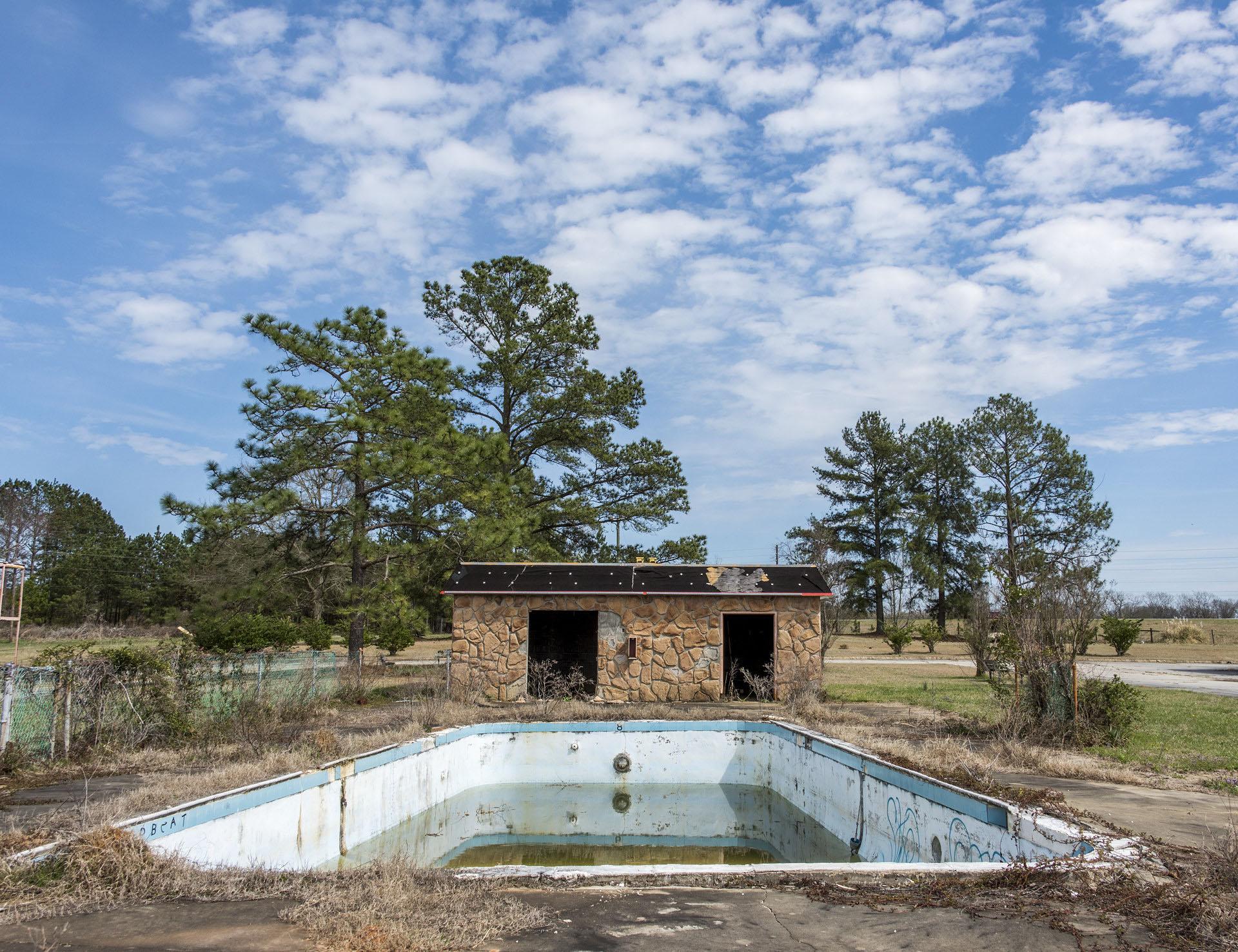 Knights Inn Pool  Rowland, North Carolina