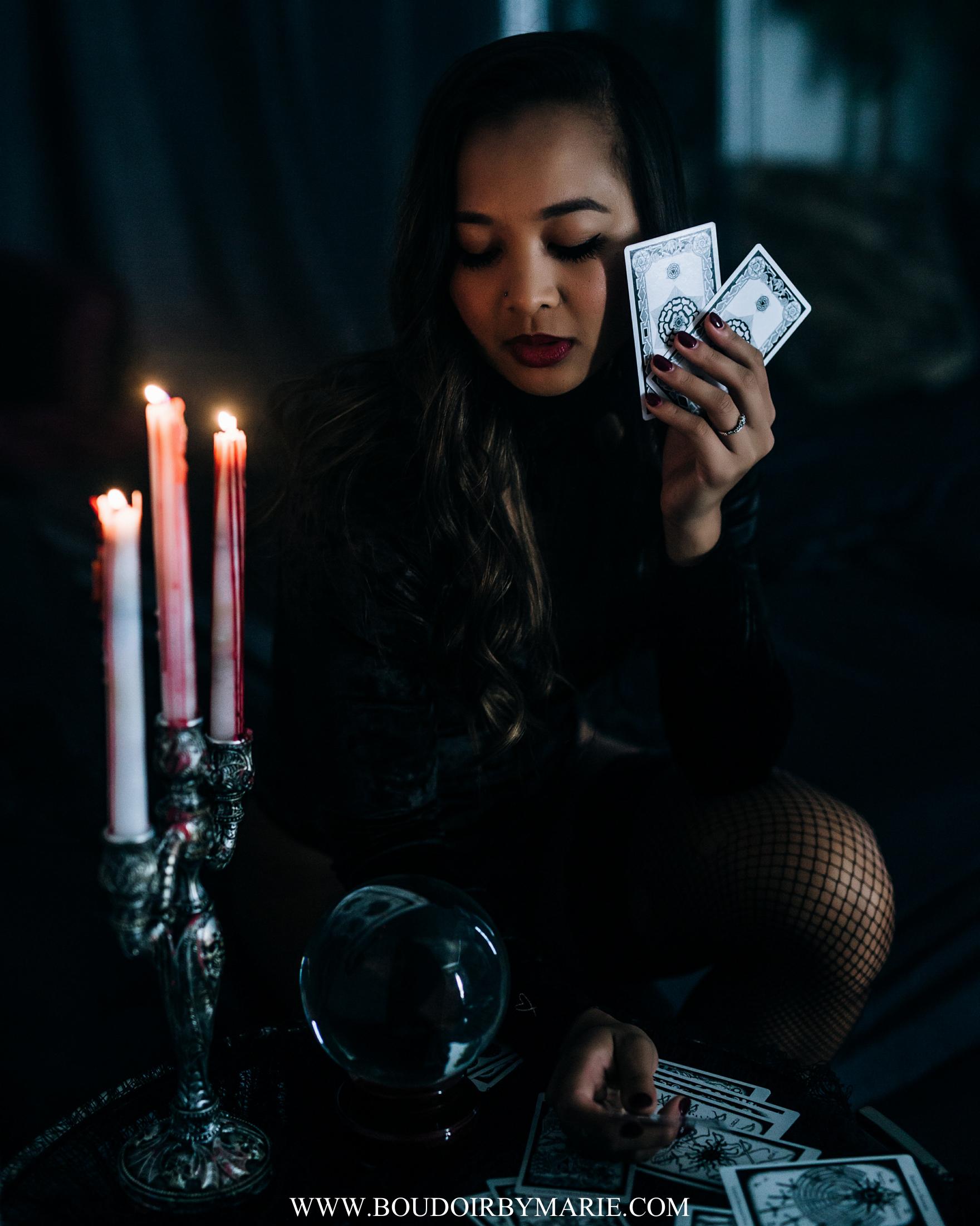 BoudoirbyMarie-HalloweenBoudoir-5.jpg