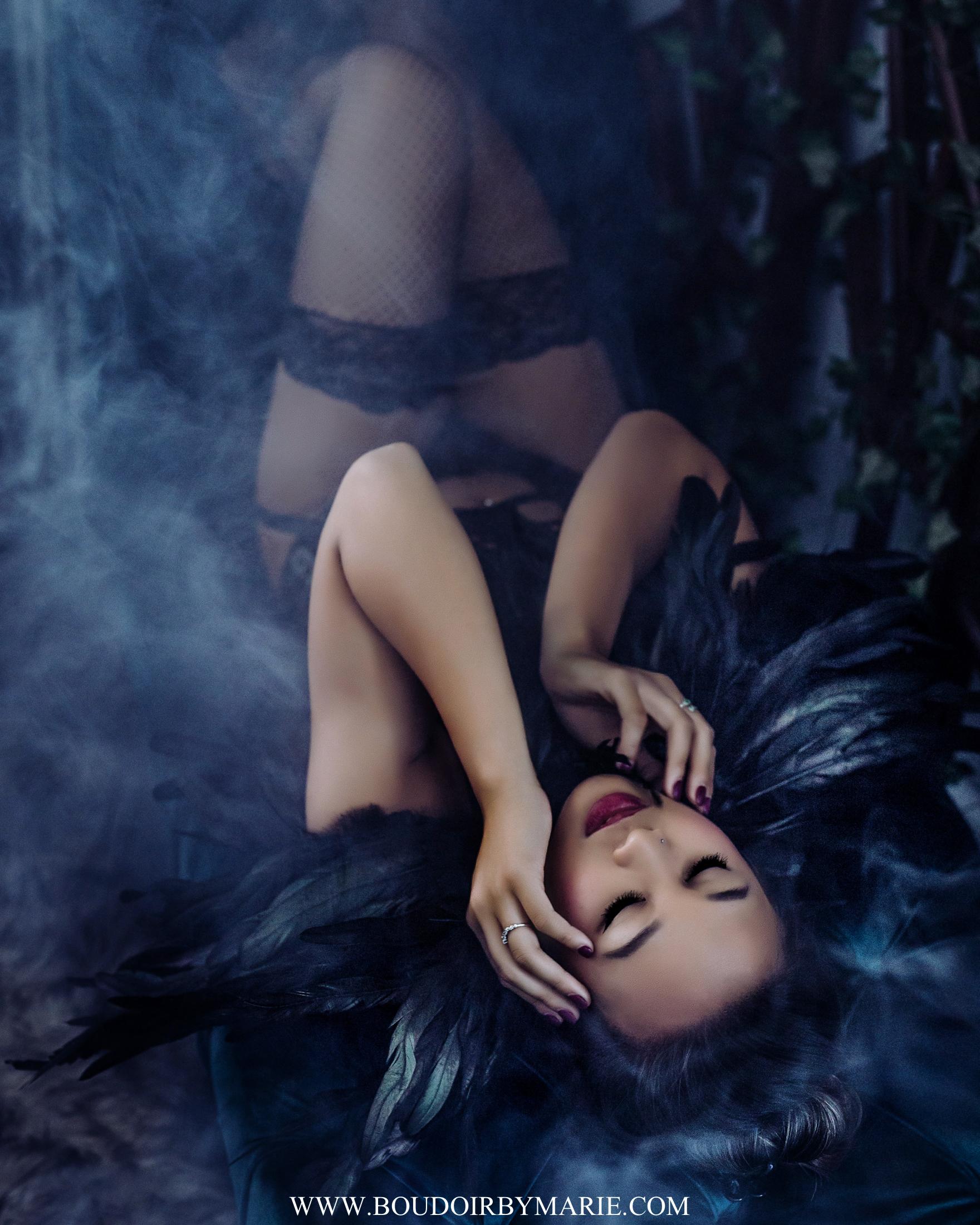 BoudoirbyMarie-HalloweenBoudoir-12.jpg