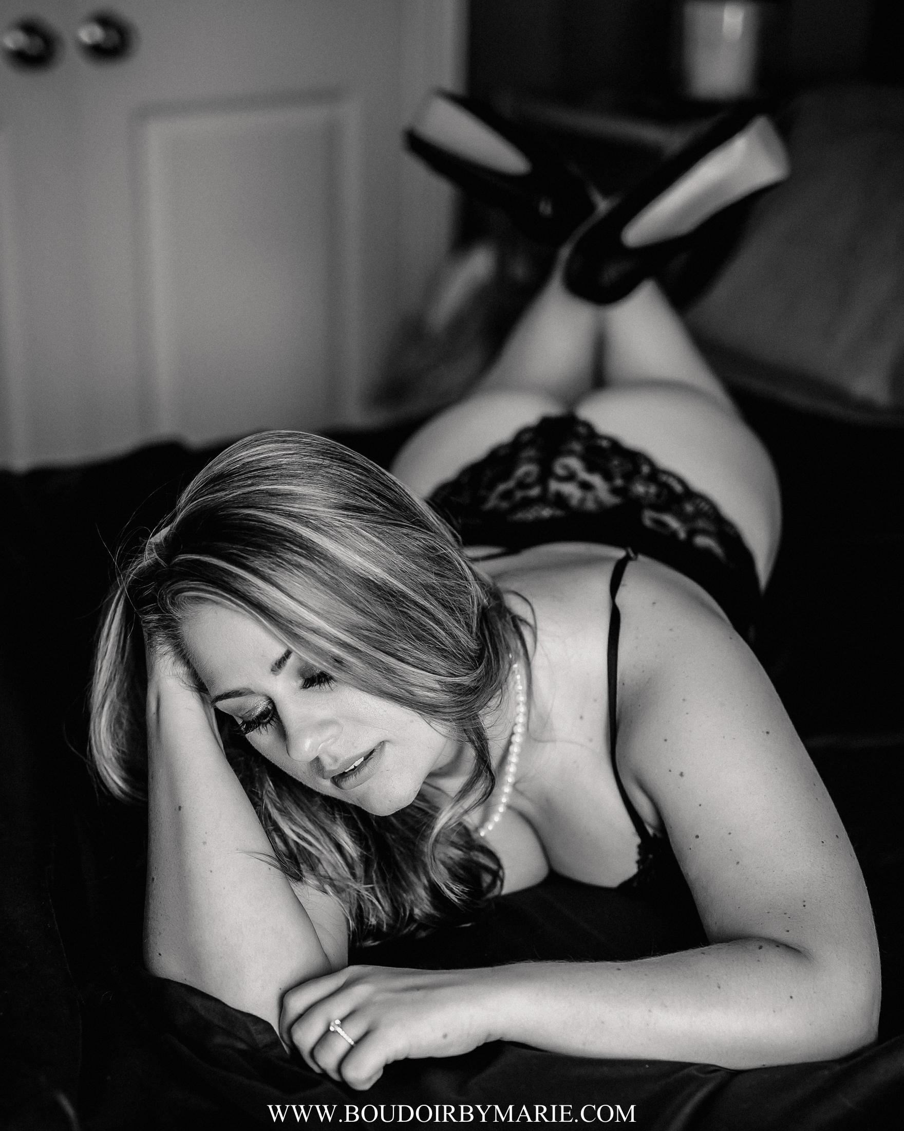 BoudoirbyMarie-Photography-15.jpg