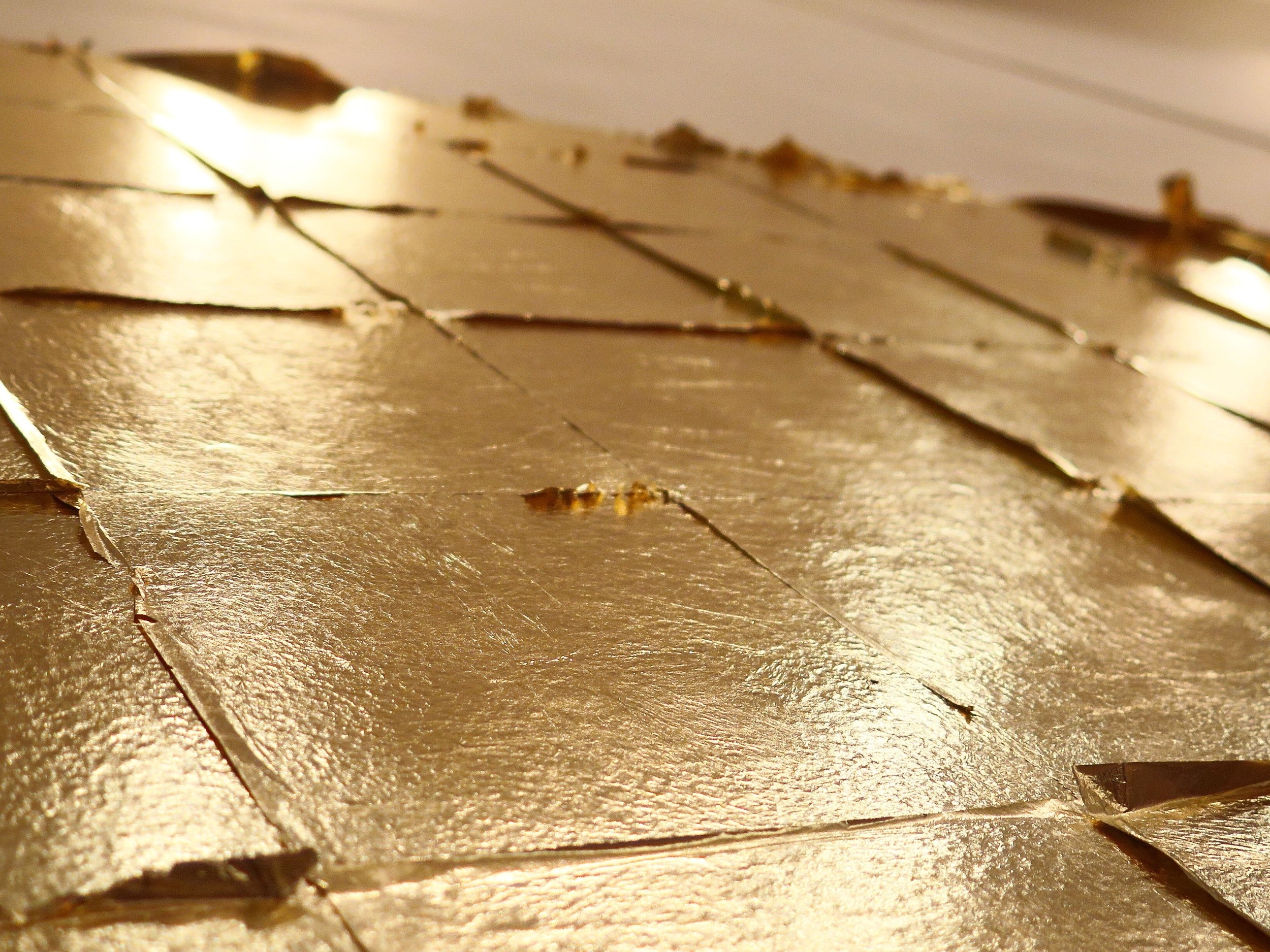 Autumn ,2016 copper-zinc leaf, site-specific installation  dimensions variable, approx. : 115 x 160 cm   (detail)