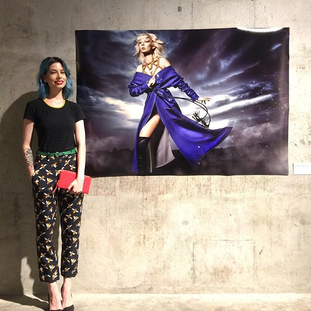 @maeganm in front of her image at the #Hyperreal exhibition for @heartofaklcity 4 Days of Fashion 👌🏼 #photography #Fashion #AIPA #smithstudiosnz #exhibition #auckland