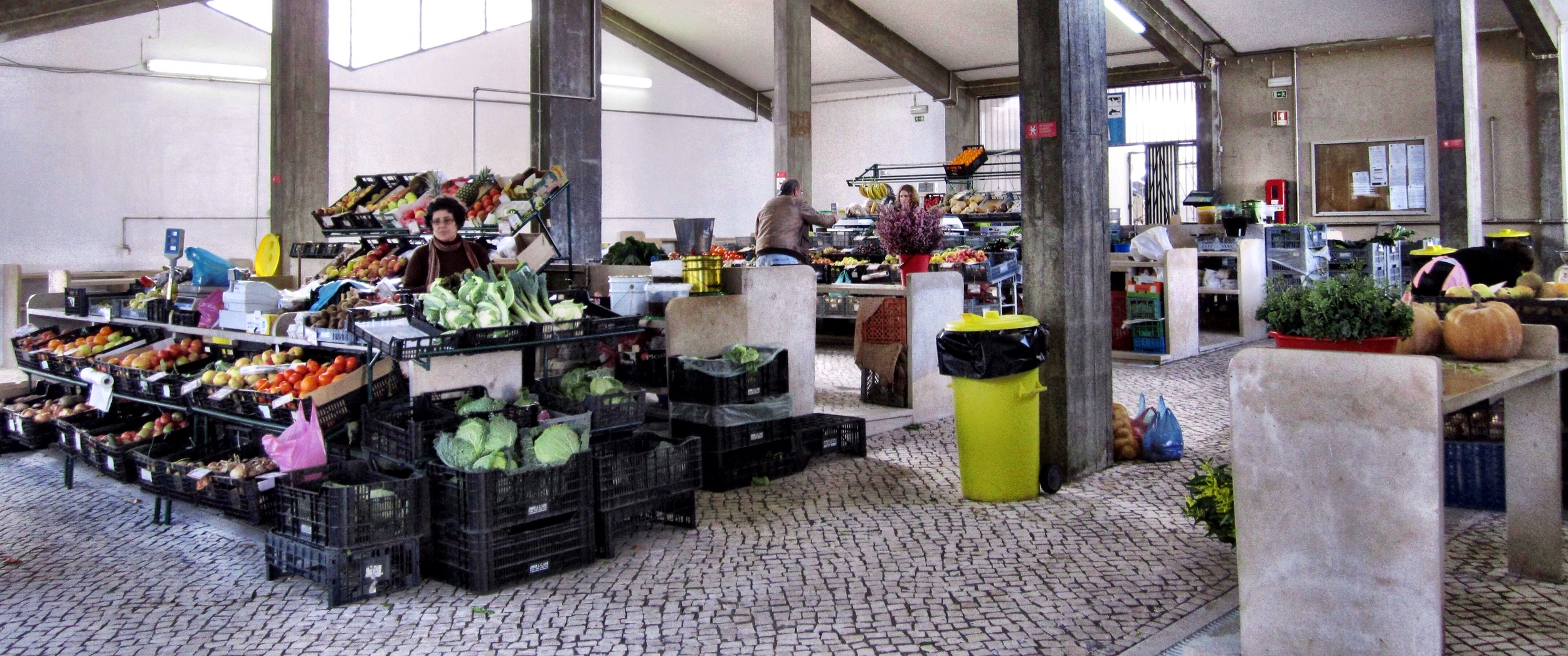A quick stop at a local market in Sao Martinho do Porto turns up an amazing variety of fresh veg for a last minute supper