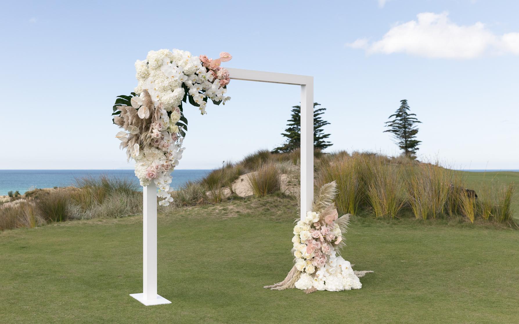 ©MichelleWeir-Blush-TaraIti-Wedding-72dpi-009.jpg
