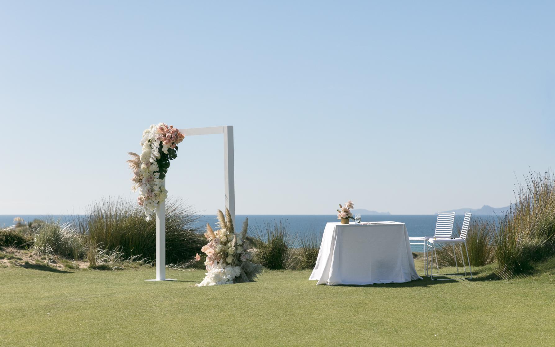 ©MichelleWeir-Blush-TaraIti-Wedding-72dpi-042.jpg