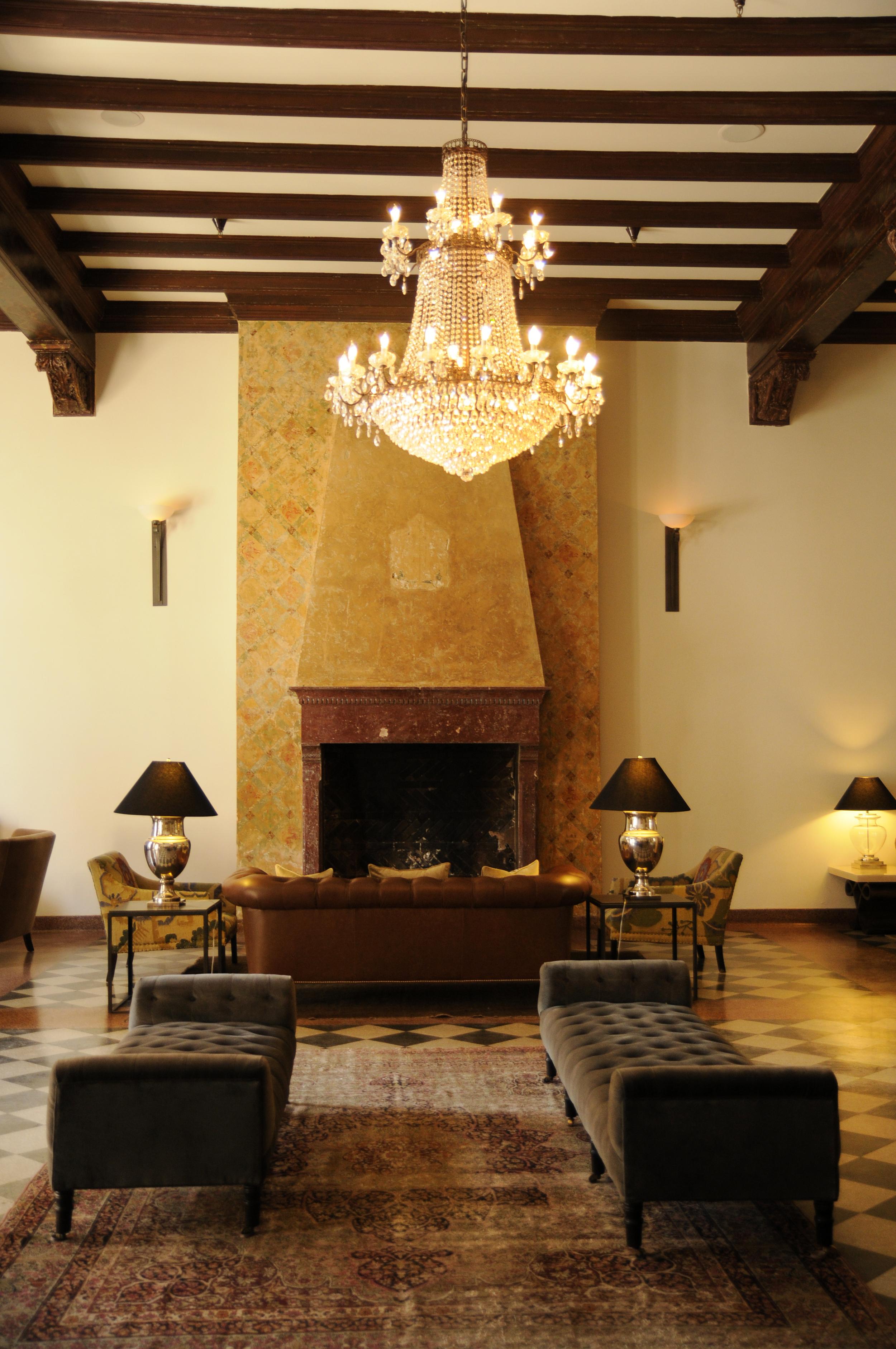 Hotel Normandie's lobby