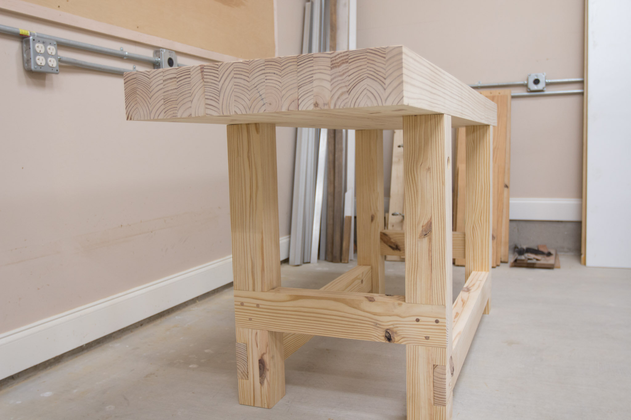 Workbench finished-10.jpg