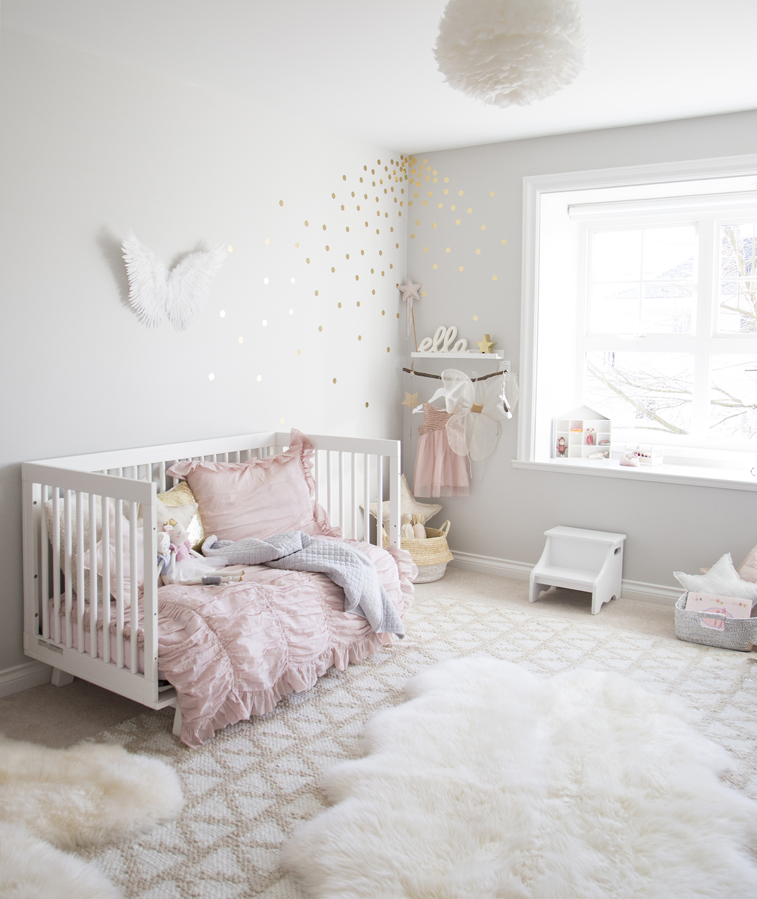Daybed in Girl Room