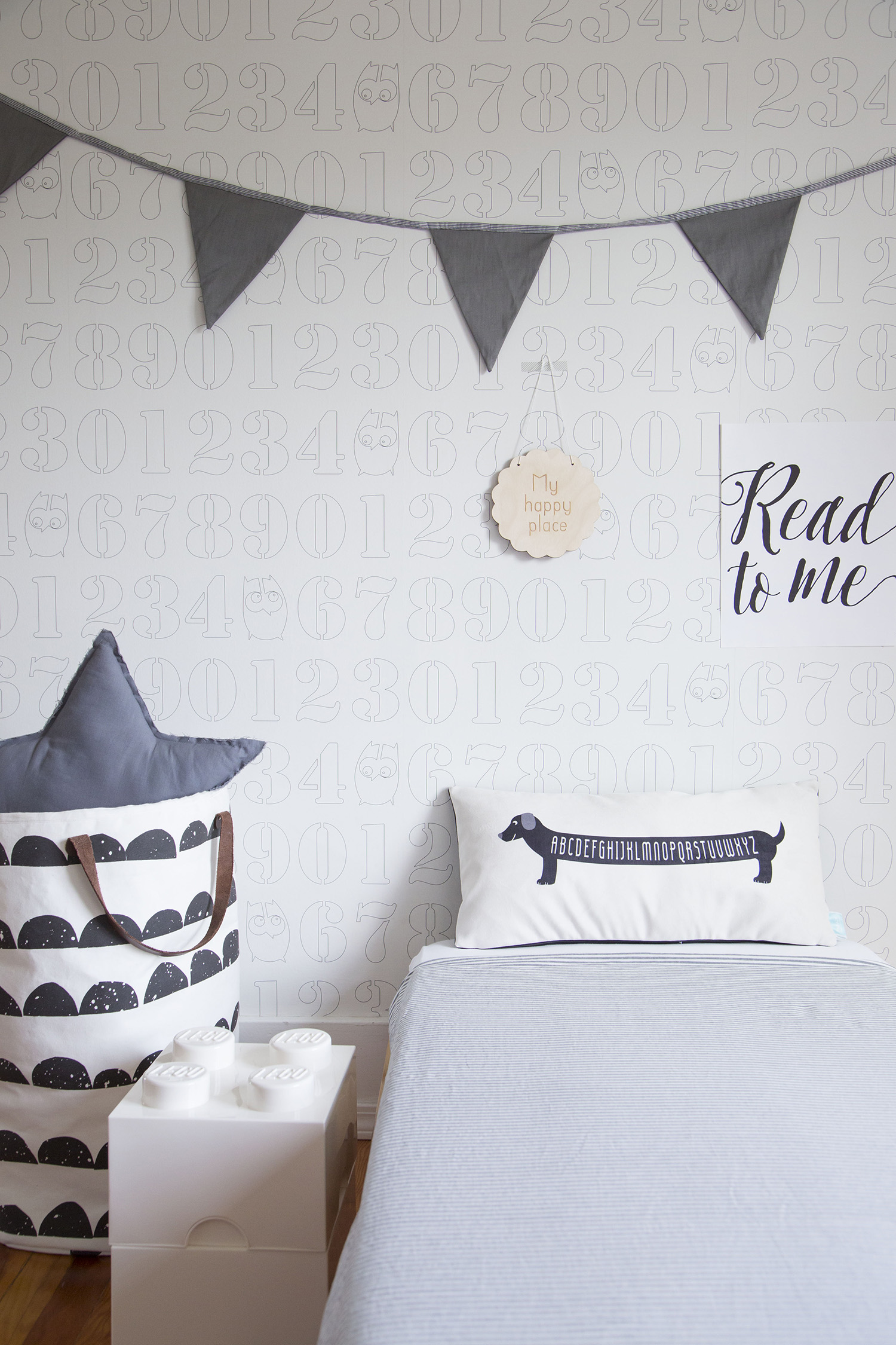 monochrome kids room decor
