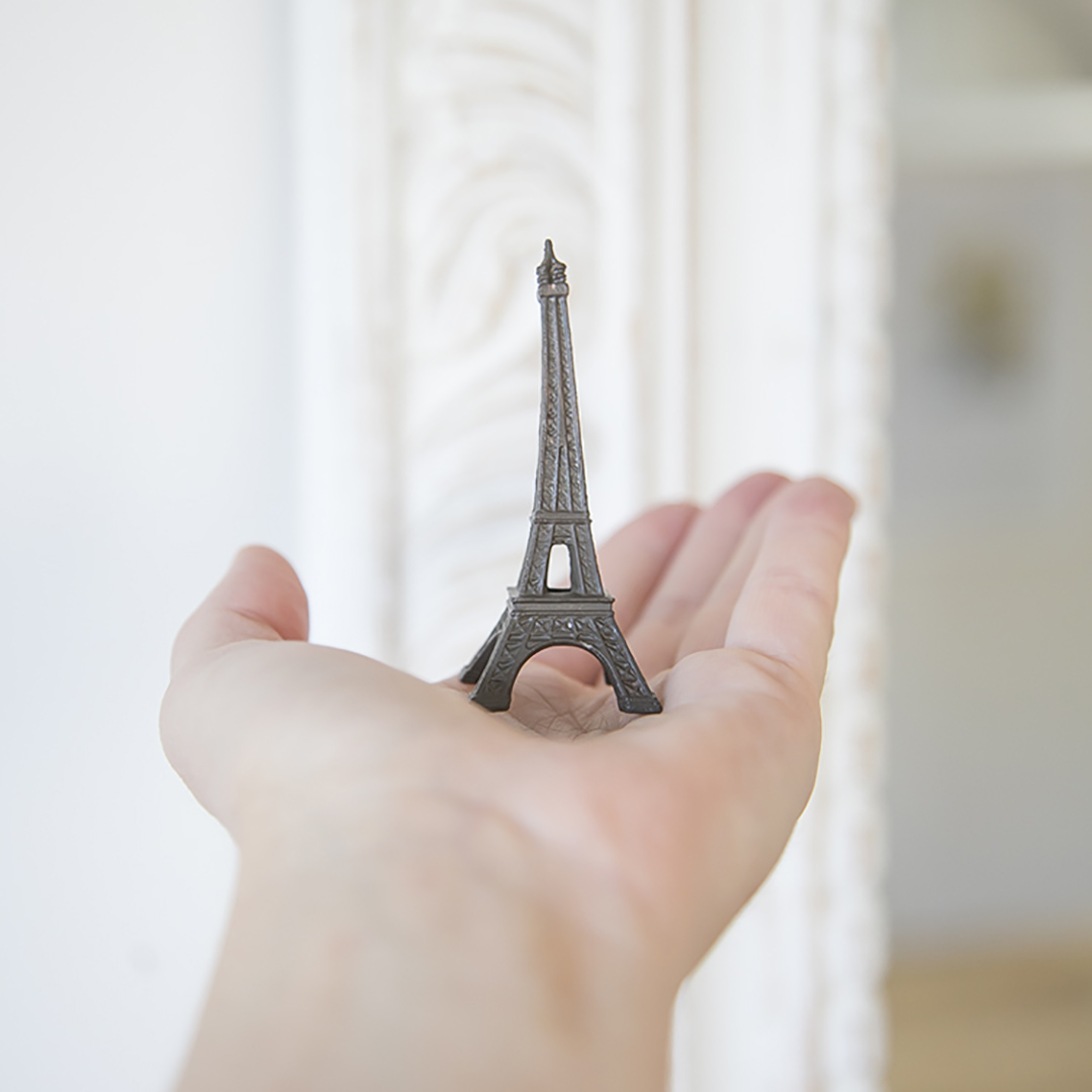 eiffel tower in hand