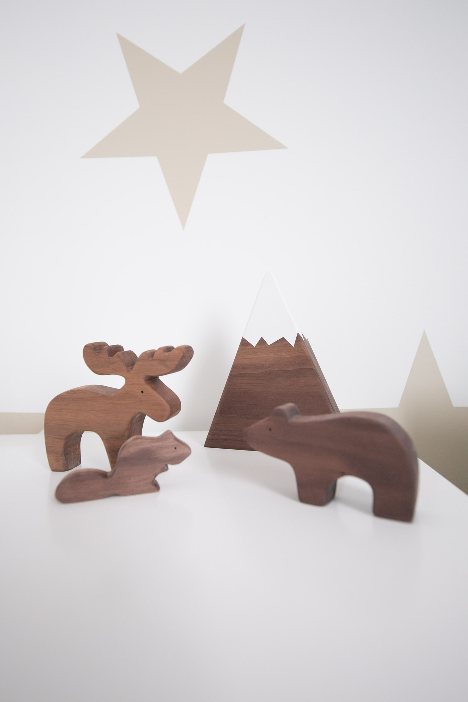 trae designs wooden animals
