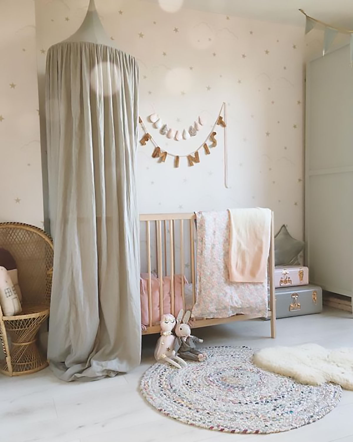 Soft and pretty girls room