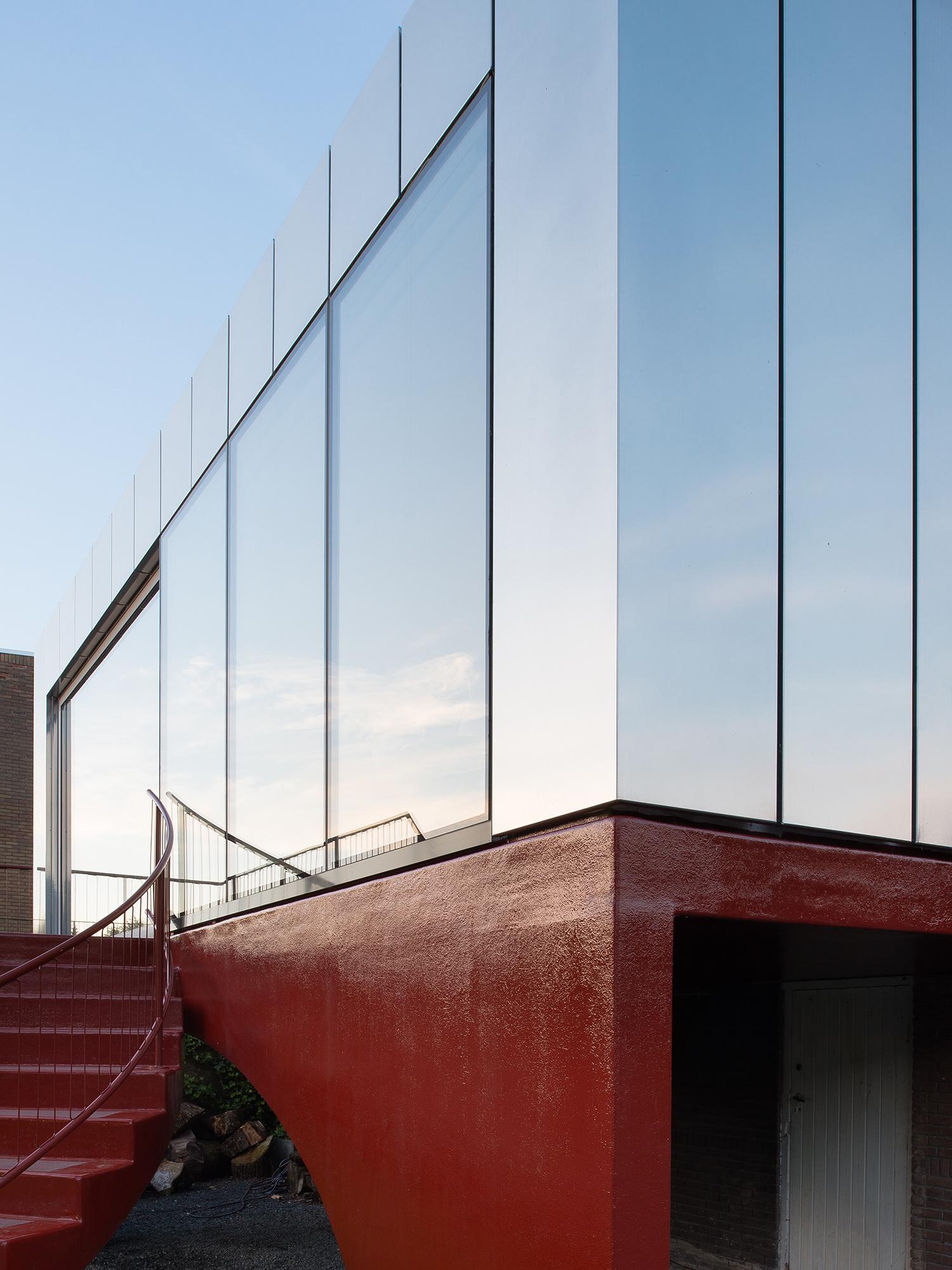 001_Image_Zoom facade.jpg