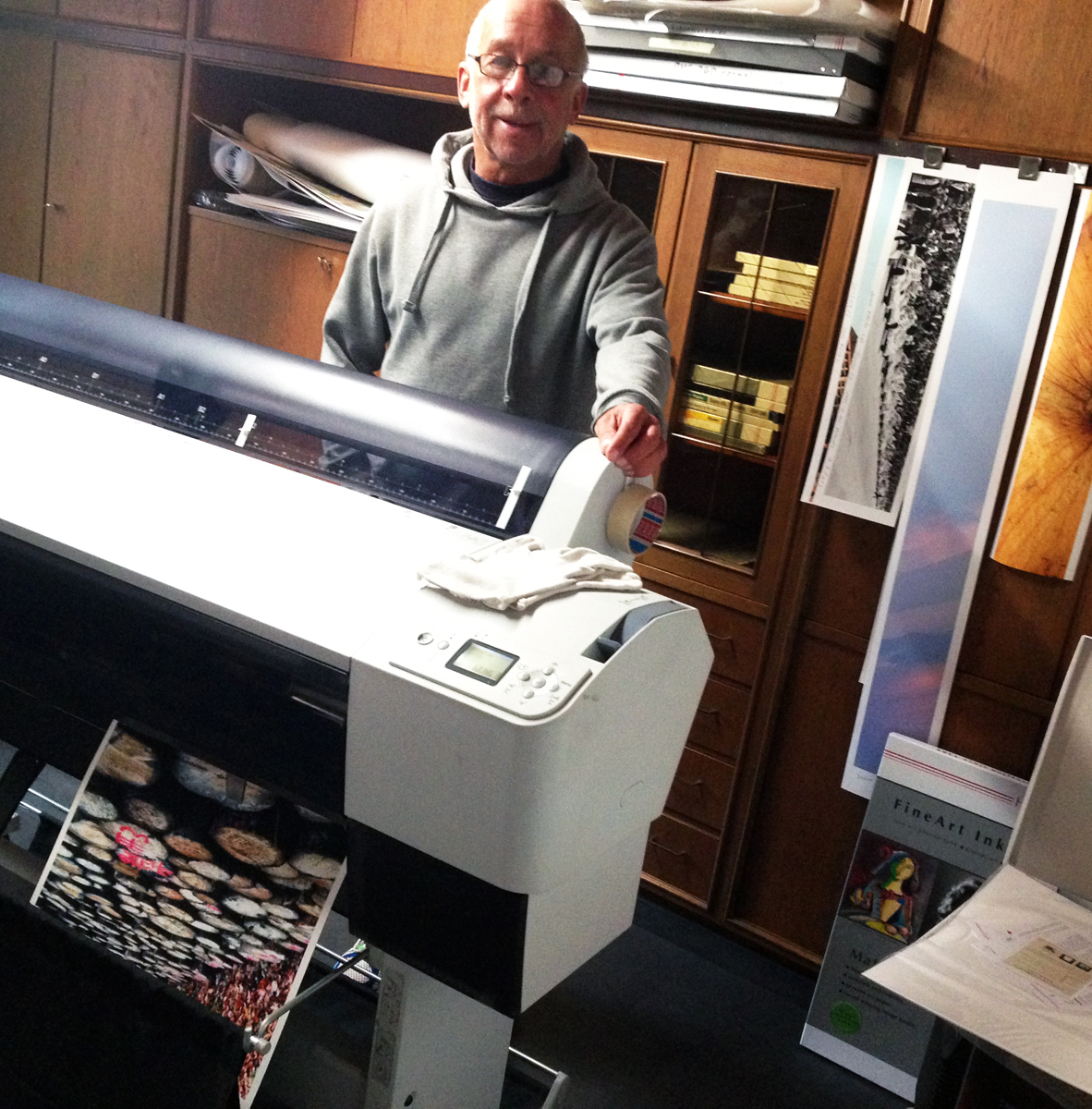 Heinz Pflug, photographer and large format digital print expert, with his massive Epson