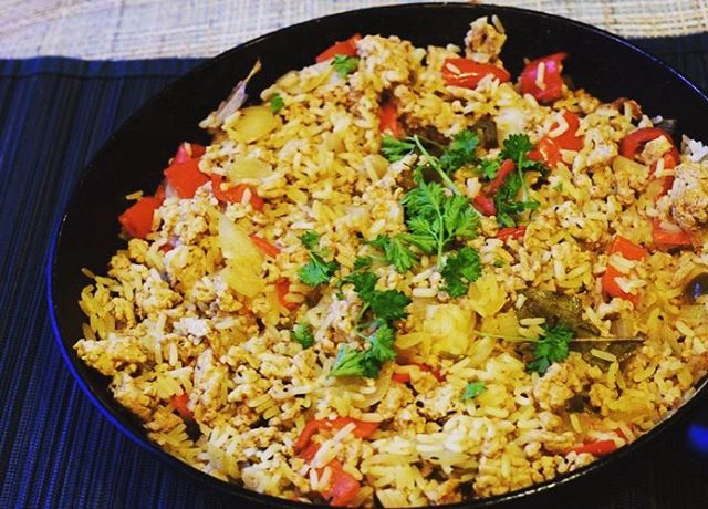 Syn Free Dirty Rice is my new favourite! If you haven't tried it, its a must. Soul food at its finest. Recipe link in Bio! #slimmingworld #dirtyrice #synfree #dinner #healthyeating #food #soulfood