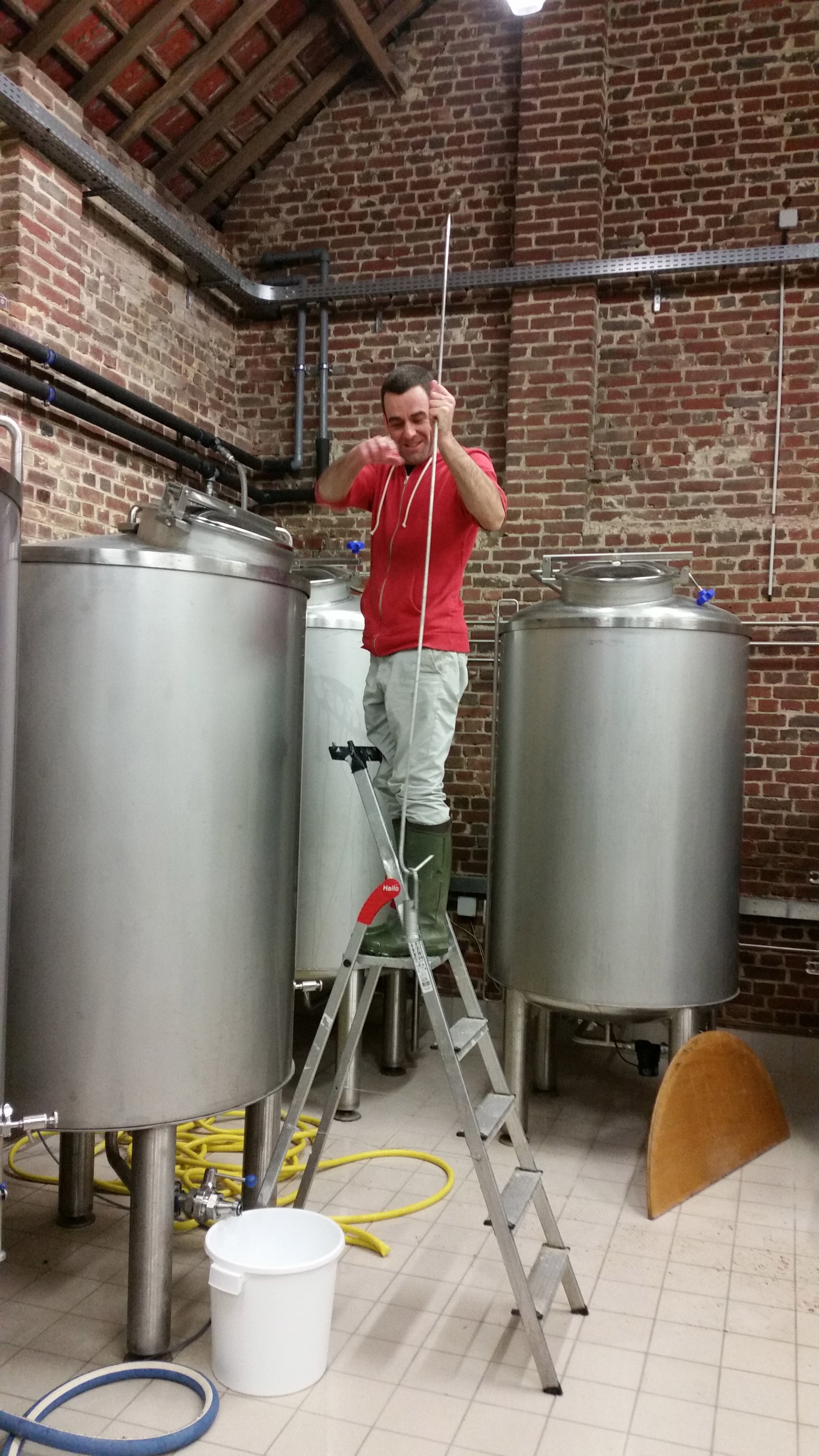 Adding a 'thimble' to the fermentation vessel before casting the wort much to Mr. Barraf's amusement