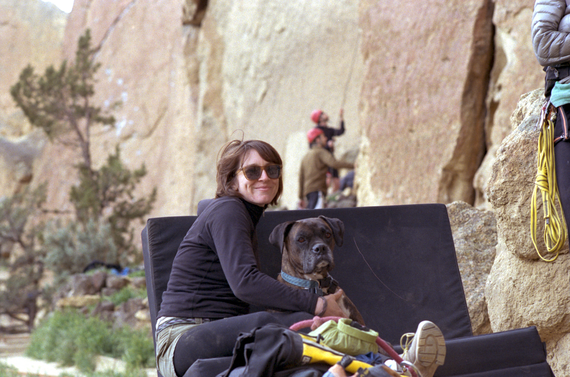 Leanne and Merlin cuddling at Smith Rock