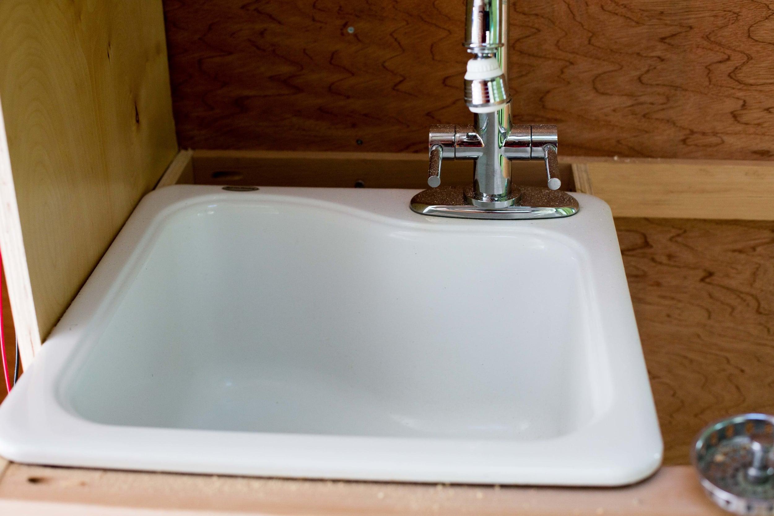 White Americast sink
