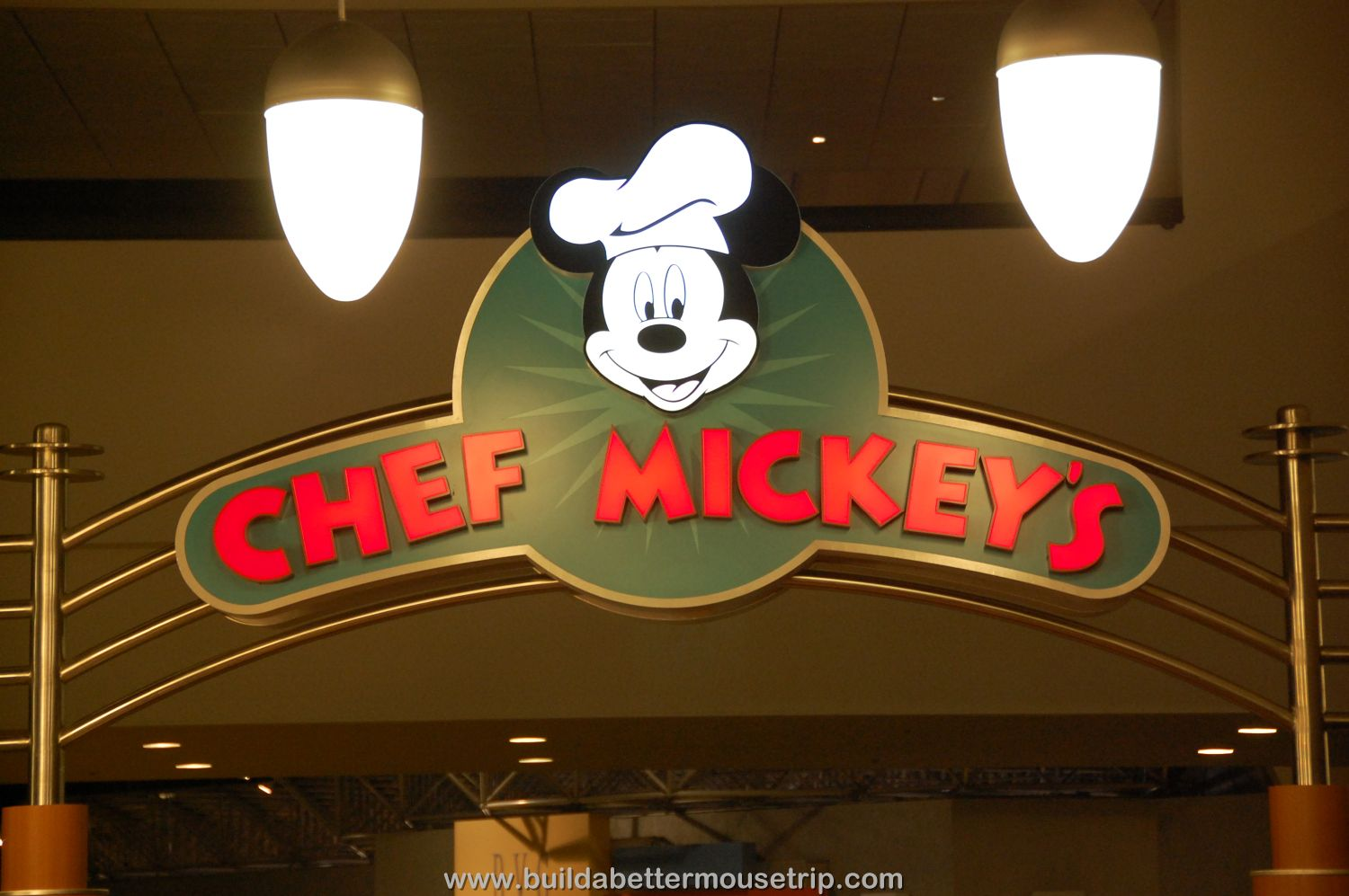 Chef Mickey's - A very popular breakfast and dinner buffet featuring classic Disney characters like Mickey and Minnie mouse.