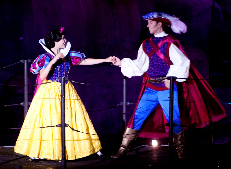 Snow White and Prince Charming in Fantasmic! at Disney's Hollywood Studios / Disney World.