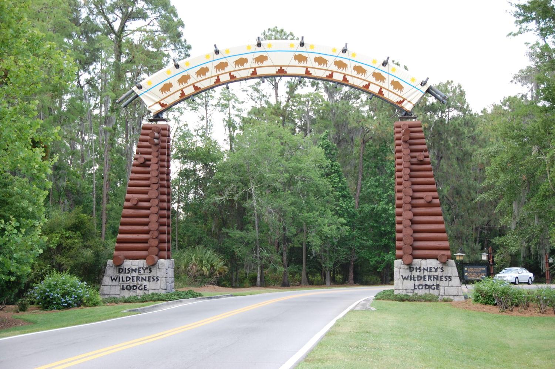 Disney's Wilderness Lodge Resort & Villas - Hotel photos & Information.