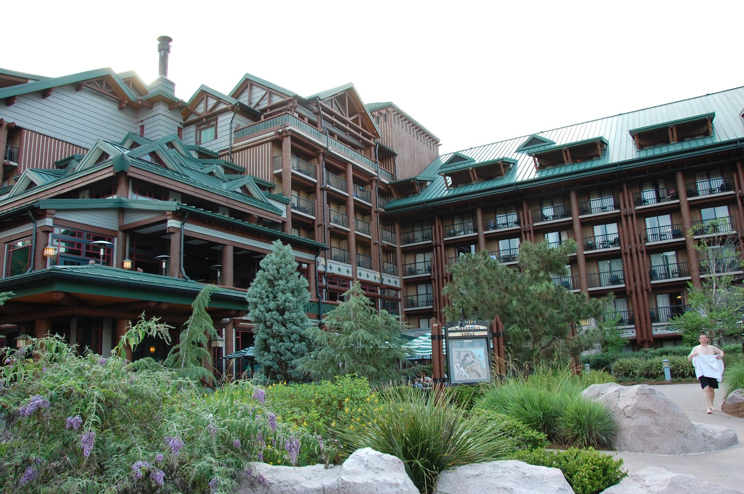 Disney's Wilderness Lodge & Villas - A hotel inspired by the grand lodges of the American National Parks. Disney World / Florida.