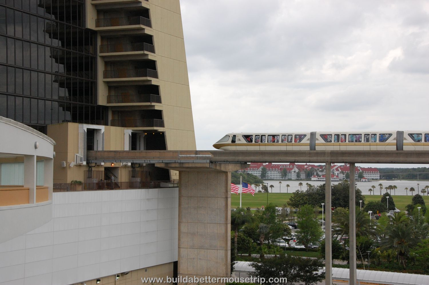 Disney's Contemporary Resort Photos & Information - The monorail loop passes right through the Contemporary's Grand Canyon Concourse