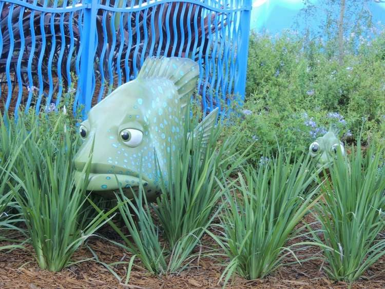 Art-of-Animation-478-Fish-statues-at-Art-of-Animation-Resort.JPG